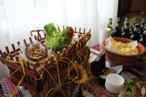 seljanski-furshetni-stoly-04